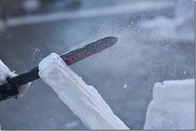 ice sculpting by fotoman311 via flickr